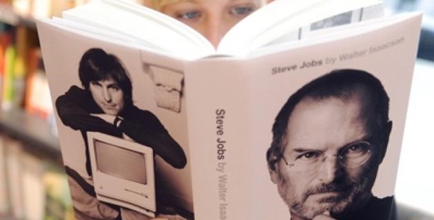 Автобиография Стива Джобса побила рекорд продаж и стала бестселлером