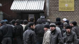Узбекские гастарбайтеры устроили массовую драку в Петербурге
