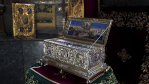 Величайшая христианская святыня доставлена в Москву