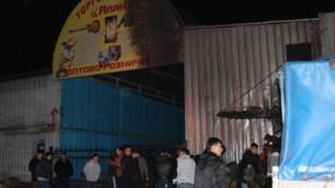 """При взрыве на рынке """"Ялян"""" в Алматы погиб человек"""