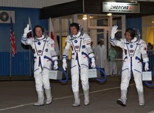"""""""Союз"""" с космонавтами успешно приземлился в Казахстане"""