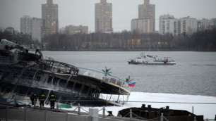 Из сгоревшего в Москве теплохода извлекли тело механика