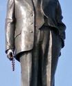 В Москве к памятнику Кадырову подбросили свиные головы