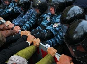 Сторонники Тимошенко попытались захватить здание киевского суда