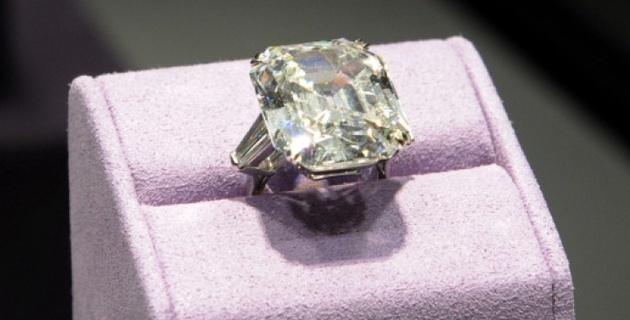 Бриллиантовое кольцо Лиз Тейлор продали за 9 миллионов долларов