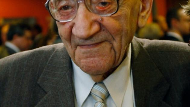 На 100-м году жизни скончался ученый-конструктор Борис Черток