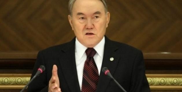 Назарбаев призвал не смешивать бандитов и трудовой спор нефтяников