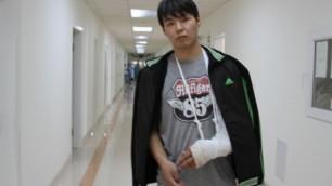Раненный в беспорядках в Жанаозене замначальника УВД вышел из комы
