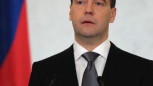 Медведев упростит регистрацию партий