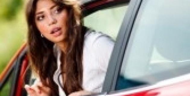 В Казахстане запретили высовываться из окон автомобилей