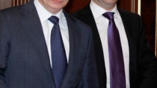 Россияне зачислили в элиту Пугачеву наряду с Путиным и Медведевым