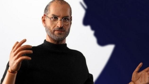 Apple пригрозила судом производителю фигурки Стива Джобса