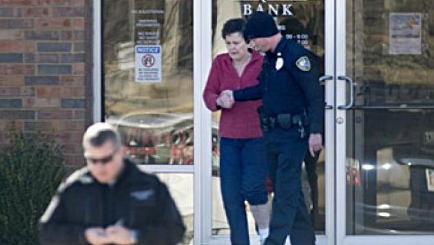 Пожилую американку заставили грабить банк