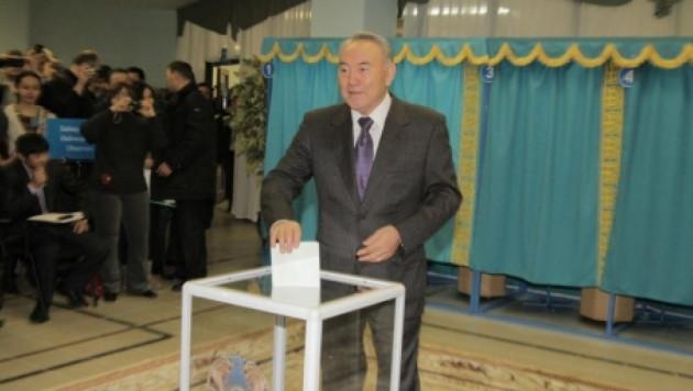 Президент Казахстана проголосовал на парламентских выборах