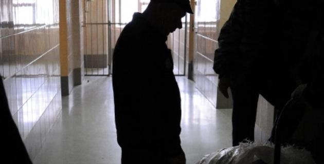 Заключенные кыргызских тюрем объявили массовую голодовку