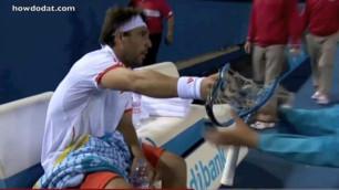 Кипрского теннисиста оштрафовали за четыре сломанные ракетки