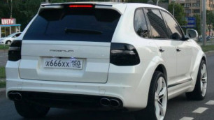 """Лихача на Porsche с """"дьявольскими номерами"""" лишили прав"""