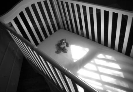 Путинское детство: В Кузбассе забытый на улице ребенок погиб в новогоднюю ночь