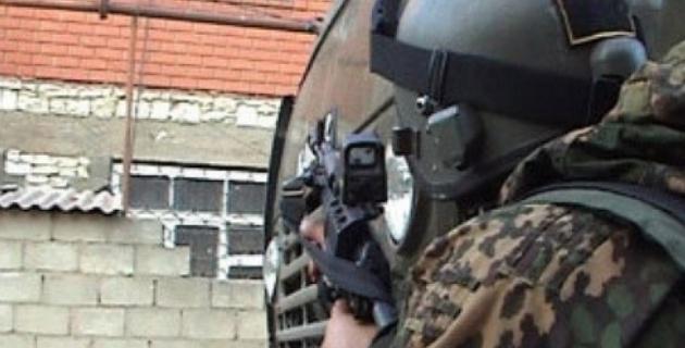 Группу боевиков блокировали в частном доме в Ингушетии