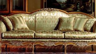 Дочь русского миллиардера выкинула из дома мебель на 100 тысяч долларов