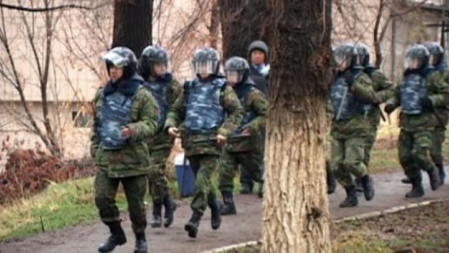 В Шымкенте мужчина угрожал совершить самоподрыв