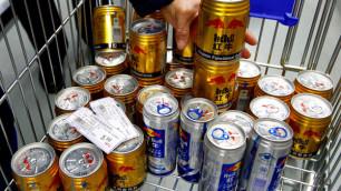 С полок супермаркетов Китая изъяли энергетик Red Bull