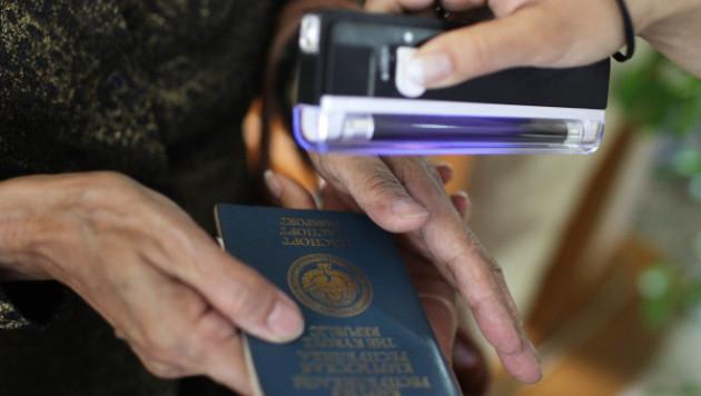 Власти Кыргызстана решили помочь транссексуалам с паспортами