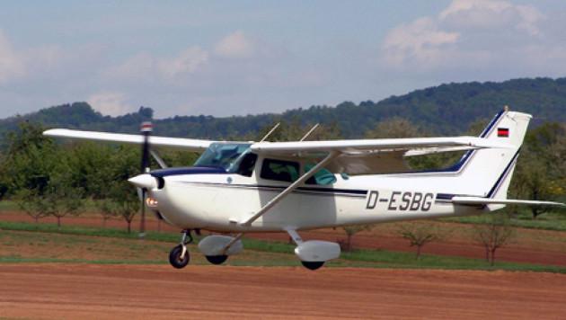 В Калифорнии наркоман угнал самолет и разбился