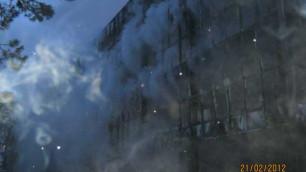 В Красноярском крае потушили горевший сутки торговый центр