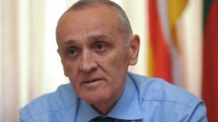 При покушении на президента Абхазии погиб человек