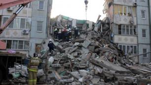 Под завалами рухнувшего в Астрахани дома найдено тело третьего погибшего
