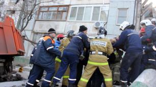 Число жертв обрушения дома в Астрахани возросло до шести