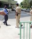 Индийские полицейские решили лечиться от алкоголизма с помощью гипноза