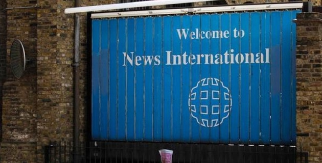 Сын Мердока объявил об уходе из правления News International