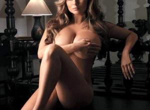 Анна Семенович расстроилась из-за кражи ее откровенных фото