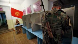 """Более 50 """"гаишников"""" в Бишкеке уволили за участие в митинге"""