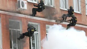 При штурме квартиры в Махачкале уничтожены двое боевиков