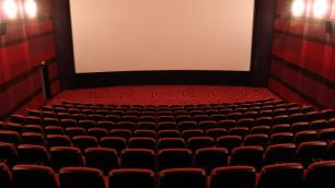 Правительство заставит кинотеатры показывать российское кино