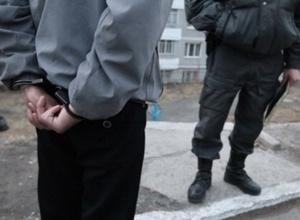 Гастарбайтер из Молдовы изнасиловал двух школьниц в Петербурге