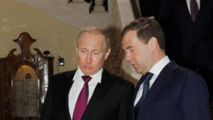 Путин и Медведев поведут первомайское шествие в Москве
