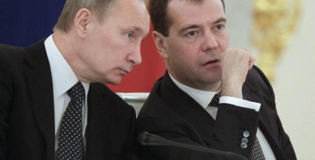 "Путин предложил Медведева на пост председателя ""Единой России"""