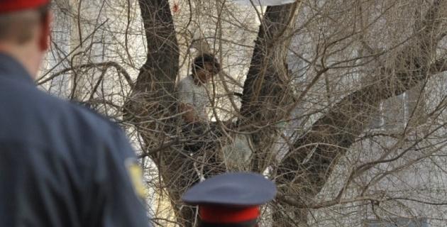 В Екатеринбурге за пытки подозреваемого задержали двух полицейских