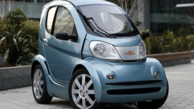 ФОТО: В Италии собрали самый маленький электромобиль